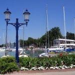 Balatonföldvári Hajóállomás  Nekem a Balaton...Mindannyiunk kedvenc magyar tengere még mindig sok csodát és megannyi programot kínál gyerekeknek és felnőtteknek egyaránt. Összegyűjtöttük a legjobbakat!#utazás #család #Balaton #Balatoniprogramok Wind Turbine, Bali