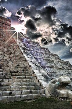 MEKSİKA'da TÜRK PİRAMİTLERİ......Serpent of Chichen Itza