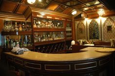Bar onboard palace on wheels