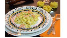 Para o Dia dos Namorados ou qualquer outra comemoração especial, esse fettuccine com camarão é o prato ideal. Vem ver a receita e se apaixonar por ele. Vem!