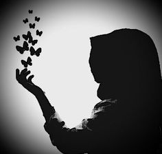 Deus cura os que têm, o coração partido. God heals those who have, heart broken. Hijab Anime, Anime Muslim, Muslim Hijab, Beautiful Muslim Women, Beautiful Hijab, Hijabi Girl, Girl Hijab, Hijab Drawing, Hijab Collection