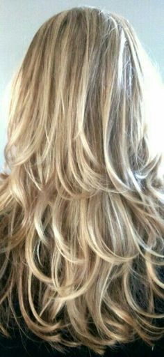 New hair color highlights layers low lights Ideas Long Layered Hair, Long Hair Cuts, Hair Color Highlights, Blonde Color, Brown Highlights, Super Hair, Layered Haircuts, Cool Hair Color, Hair Colors