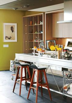 Look! A Sleek Stainless Steel Kitchen Island Kitchen Inspiration
