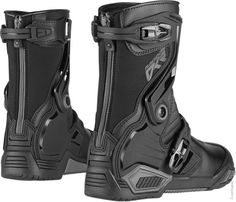 Icon Raiden DKR Boots - Black from the UK's leading online bike store. Free UK delivery over and easy returns on our range of over products. Best Motorcycle Boots, Bike Boots, Motorcycle Outfit, Motorcycle Accessories, Armor Boots, Black Riding Boots, Black Boots, Fashion Boots, Mens Fashion