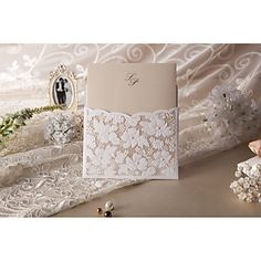 Elegant Linen Pocket Floral Embossed Square Wedding Invitations, 100 pcs/lot
