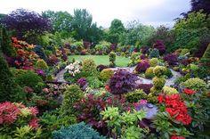 Beautiful English Garden: The Four Seasons Garden by Tony and Marie Newton. Beautiful Flowers Garden, Love Garden, Dream Garden, Beautiful Gardens, Garden Ideas, Amazing Gardens, Landscape Design, Garden Design, Paradise Garden