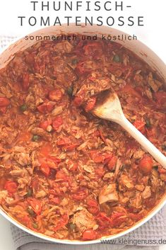Here is a recipe for delicious tuna and tomato sauce. The sauce is low carb, keto, paleo and low in calories. Here is a recipe for delicious tuna and tomato sauce. The sauce is low carb, keto, paleo and low in calories. Slow Cooker Keto Recipes, Hamburger Meat Recipes, Dog Food Recipes, Vegetarian Recipes, Keto Sausage Recipe, Sausage Recipes, Law Carb, Low Carb Cheesecake Recipe, Chicken Parmesan Recipes