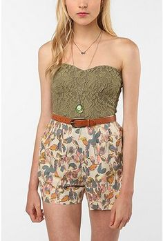 not a big fan of the shorts but i love the bustier.
