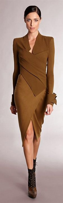 I like the lines of this bronze-colored, bias cut, two-piece suit by Donna Karan (ixnay on the ootsbay).