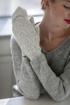 Strukturstickade vantar Novita Hohde Winter Accessories, Handicraft, Fingerless Gloves, Arm Warmers, Mittens, Nova, Pullover, Knitting, Crochet