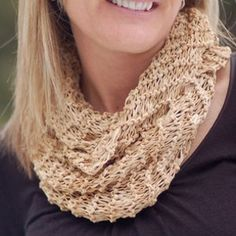 knit with the garter and Kitchener stitch. The River Birch cowl is a quick and easy project, and will look great with a casual or dressy outfit. Try it with a neutral top and jeans or over a dress for a fun and flirty look. Easy Knitting Needle Size: 15  Yarn Weight: (4) Medium Weight/Worsted