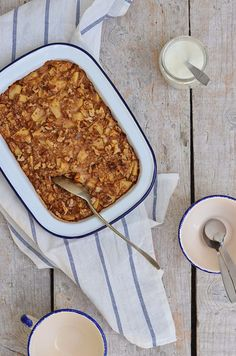Ananás e Hortelã: Porridge de Forno com Maçã e Canela