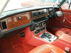 1974 Jaguar XJ6L Series 2 Saloon - Lou Guthry Motors