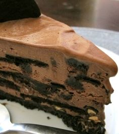 Famous Wafer Chocolate Ice Cream Cake Recipe Desserts with chocolate wafer, unsalted butter, granulated sugar, chocolate ice cream Ice Cream Desserts, Frozen Desserts, Frozen Treats, Just Desserts, Delicious Desserts, Chocolate Ice Cream Cake, Chocolate Wafers, Chocolate Cookies, Sweet Recipes