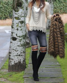 Some times the details make the outfit different, as these accessories for boots from one of my fav shops in Spain, Dapa Santander, you always find Bohemian Style Clothing, Love Clothing, Boho Outfits, Trendy Outfits, Fashion Outfits, Blusas Country, Boho Fashion, Autumn Fashion, Womens Fashion