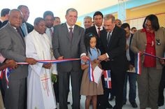 Armario de Noticias: *Presidente Danilo Medina inaugura una escuela en ...