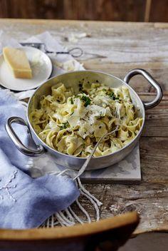 Unser beliebtes Rezept für One-Pot-Parmesan-Pasta und mehr als 55.000 weitere kostenlose Rezepte auf LECKER.de.
