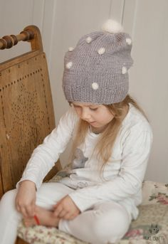 KNITTING PATTERN slouchy hat with crochet bobbles by MukiCrafts