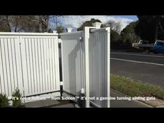 Turning Sliding Gate | The Sidturn | Brighton | Melbourne | Sidcon Fabrications - YouTube