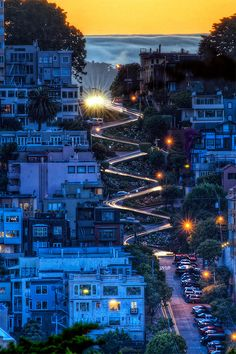 Gorgeous photo of Lombard Street in San Francisco.