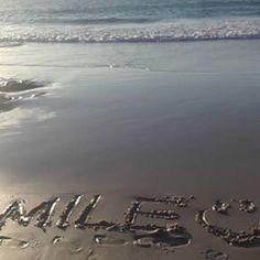 【ayu_2chip9】さんのInstagramをピンしています。 《😊 😁#byronbay#australia#photo#camera#photograph#photographer#beach#ocean#sea#surf#surfing#trip#travel#bohemian#sunrise#smile#genic_mag#sky#タビジョ#写真#カメラ#カメラ女子#オーストラリア#海#ビーチ#旅#女子旅#サーフィン#空#朝日》