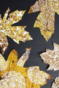 These so beautiful, she hand painted them. Leaf Projects, Fall Art Projects, Autumn Crafts, Nature Crafts, Painted Leaves, Hand Painted, Alisa Burke, Leaf Crafts, Leaf Art