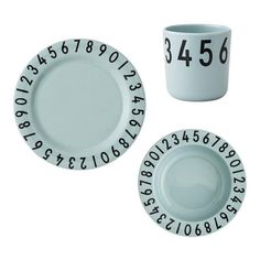 Delicious gift box from Design Letters. This perfect gift set contains a cup, deep plate and lunch plate, all in green melamine. The children's Design Letters melamine snack plate has 'AJ Vintage ABC' typography