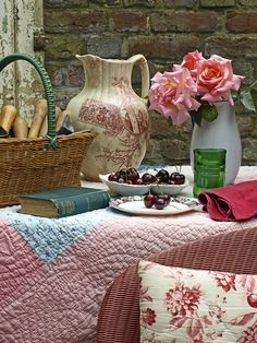 love the textures-- I want a quilted tablecloth!