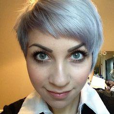 Grey hair & green eyes #greyhair#silver#shorrhair#asymmetric#undercut#girl#selfie#makeup#work#mac#illamasqua#hdbrows#smile#nofilter#eotd#ootd#fashion#topshop#natural#mua#greeneyes