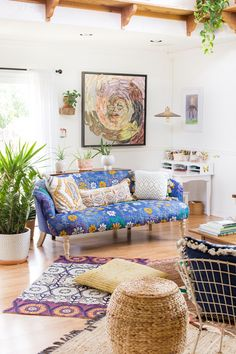 Jungalow® by Justina Blakeney is the one-stop-shop for bohemian-modern home decor + all things all things colorful, patternful +jungalicious. Ikea, Blue And Green, Bohemian Interior, Bohemian House, Bohemian Decor, Eclectic Decor, Eclectic Bedrooms, Interior Exterior, Creative Home
