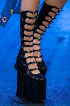 New York Fashion, World Of Fashion, New Yorker Mode, Shoes 2017, Fashion Project, Crazy Shoes, Walk On, Platform Shoes, Marc Jacobs