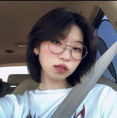 Tomboy Hairstyles, Pretty Hairstyles, Girl Short Hair, Short Hair Cuts, Korean Short Hair, Short Hair Styles Asian, Short Hair Korea, Shot Hair Styles, Androgynous Hair