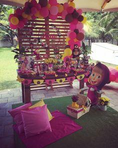"""Linda Mini table """"Masha e o Urso"""" Por Via . 4th Birthday Parties, Birthday Party Decorations, Party Themes, Sunshine Birthday, Bear Birthday, Marsha And The Bear, Second Birthday Ideas, Cowgirl Party, Bear Party"""