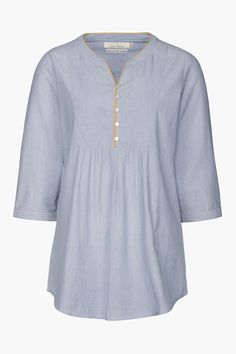 An airy Seasalt tunic in fine, pinstriped cotton. The Soft Putty Top has a loose, smock-like shape, a V-neck with contrast piping and 3/4 length sleeves.