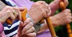 Türkiye'de yaşam süresi 76,3 yıl  TÜİK verilerine göre, Türkiye'de doğuşta beklenen yaşam süresi 76,3 yıl olarak hesaplandı.  http://www.portturkey.com/tr/saglik/48724-turkiyede-yasam-suresi-763-yil