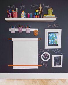 """As paredes de lousa alem de dar um ar moderno a qualquer ambiente pode ser usada como """"bloco de anotações"""" ou decoração interativa. Confira em nossa pagina separamos alguns modelos para você se inspirar! #nevessgueri #paredelousa #chalkboard #arquitetura #architecture #engenharia #engeneering #reforma #reference #retrofit #projeto #sketch #decoração #homedesign #design #decor by nevessgueri http://discoverdmci.com"""