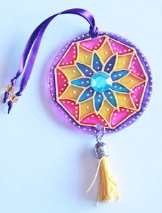 originalyexclusiva | MINI MANDALAS Cd Crafts, Diy And Crafts, Arts And Crafts, Mandala Azul, Cd Art, Diwali Decorations, Painted Pots, Suncatchers, Wind Chimes