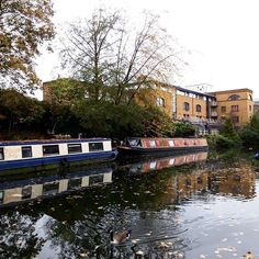 306/366 - Life at the canal. #london #autumn #urbanexploration #mobilephotography #project365