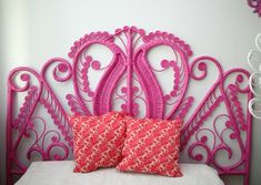 old wicker headboard + can of spray paint = awesome! i wish i was single again only to have this headboard. maybe for my McKenna Wilkers Pink Headboard, Wicker Headboard, Wicker Bedroom, Painted Headboard, Diy Headboards, Princess Headboard, Vintage Headboards, Wicker Furniture, Painted Furniture