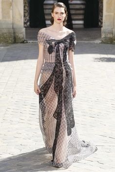 Ulyana Sergeenko Fall 2017 Couture Fashion Show
