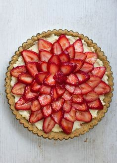 Strawberry Mascarpone Tart by KellyBakes - yummy and I'm already in love with homemade marscarpone:) http://motherwouldknow.com/journal/how-to-make-mascarpone-cheese.html