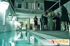 ¿Y una fiesta de #Nochevieja junto a la piscina interior de esta fantástica villa en #Valencia? - Blog para viajeros | 6 villas de lujo para celebrar una Nochevieja de anuncio Freixenet | http://blog.niumba.com