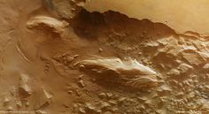 Mars Water Could Have Carved These 'Mystery Mounds'