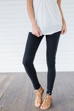 These Black Biker Chick Moto Jeggings are what dreams are made of! These jeggings are absolutely perfect for everyday wear and versatility. - Bella Ella Boutique    Womens Online Clothing Boutique. Online Store. Online Clothing Boutique. Online Clothing B https://bellanblue.com