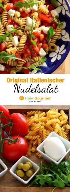 Dieser original italienische Nudelsalat ist das Sommergericht schlechthin und eignet sich perfekt zum Picknicken. Alles was ihr braucht, sind Tomaten, Pesto, Büffelmozzarella, Oliven, Nudeln und Rucola.