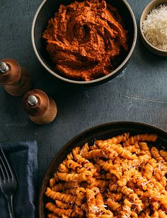 Tomato Pesto - Recipes | Tuttorosso Dinner Side Dishes, Dinner Sides, Tomato Pesto, Pesto Recipe, Happy Foods, Roasted Red Peppers, How To Cook Pasta, Pasta Dishes, Italian Recipes