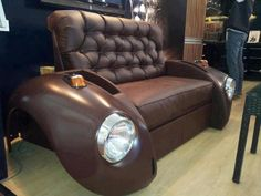 What is obtained from car parts mixed with creativity? So, creativity + auto parts = furniture from auto parts! Yes, it is possible to have a coffee table Car Part Furniture, Automotive Furniture, Automotive Decor, Furniture Making, Furniture Plans, Kids Furniture, Furniture Design, Car Part Art, Car Sofa