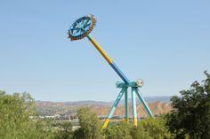 World S Tallest Pendulum Ride Crazanity Debuts At Six Flags Magic Mountain Six Flags Riding Flag