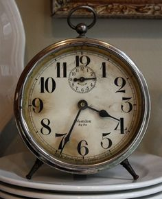 vintage clock.......want this...
