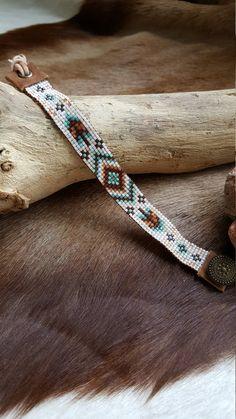 Indian Blue Miyuki Bracelet/Cuentas Linda by CuentasLinda on Etsy Loom Bracelet Patterns, Bead Loom Bracelets, Bead Loom Patterns, Woven Bracelets, Beaded Jewelry Patterns, Beading Patterns, Estilo Navajo, Bead Loom Designs, Seed Bead Jewelry